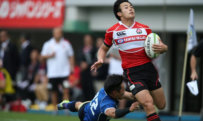 Kenki Fukuoka scored a hat trick in his return to international rugby after more than a year in Japan's win over KOR at Fukuoka last Saturday May 9, 2015. (ARFU)