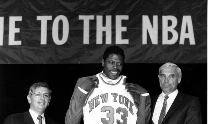 Patrick Ewing (C) was the big prize in the 1985 NBA Draft Lottery as the New York Knicks took him first overall. (AP Photo/Marty Lederhandler)