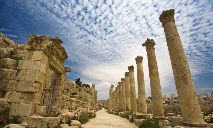 The Cardo in Jerash (WitR, iStock)