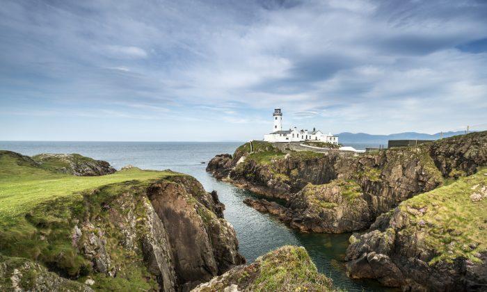 White Lighthouse, Fanad Head, North Ireland (jacek_kadaj, iStock)