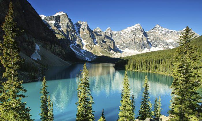 Lake Moraine, Banff national park. (estivillml, iStock)