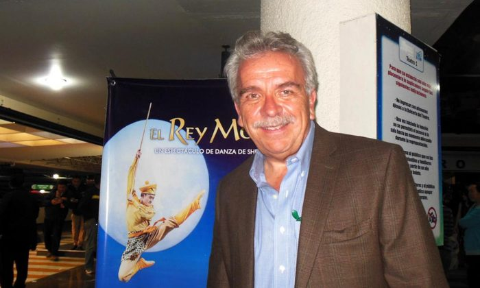 "Mexican actor and director José Elías Moreno at ""The Monkey King,"" a Shen Yun Performing Arts production, at the Centro Cultural Teatro 1 in Mexico City on May 8, 2015. (Sherry Dong/Epoch Times)"