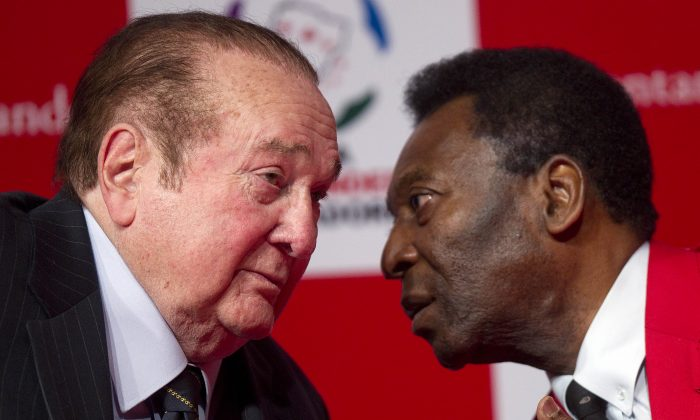 Paraguay's Nicolas Leoz, President of the South American Football Confederation, CONMEBOL, and former FIFA executive member, left, speaks with former Brazilian soccer player Pele during a news conference in Sao Paulo, Brazil.  (AP/Andre Penner)
