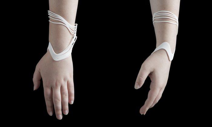 An analog model of the digital bracelet. (Madeline Gannon, TACTUM)