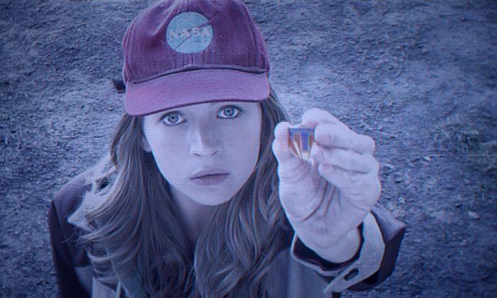 "Britt Robertson in ""Tomorrowland"" (Disney)"