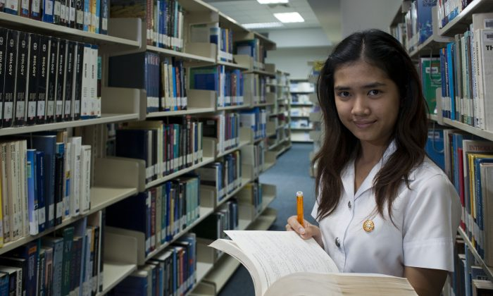 Will college pay off? (World Bank Photo Collection, CC BY-NC-ND 2.0)