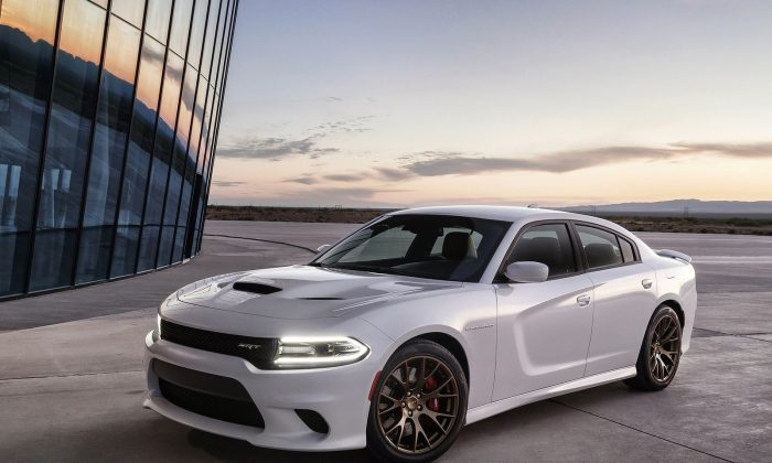 2015 Dodge Charger SRT (Courtesy of NetCarShow.com)