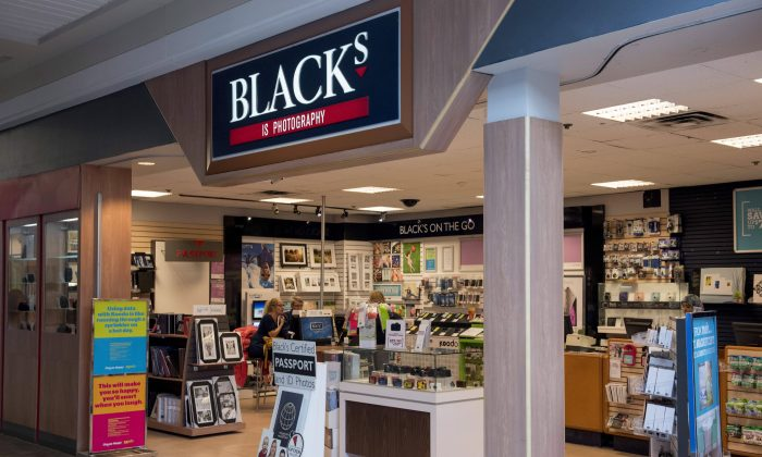 A Blacks photo store is shown in Ottawa on June 9, 2015. (The Canadian Press/Justin Tang)