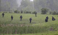 House Searches Resume Near Prison Where 2 Killers Escaped