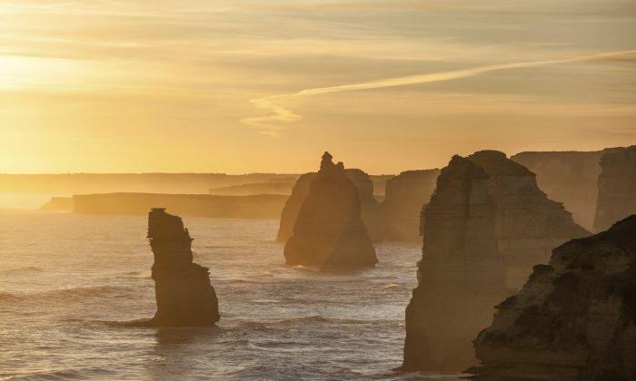 Twelve Apostles rock formations, Australia (tsvibrav, iStock)