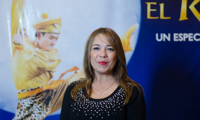 """San Miguel de Tucumán City Councillor Sandra Manzone at """"The Monkey King"""" performance, a production by Shen Yun Performing Arts, at the Teatro Mercedes Sosa in Tucumán, Argentina on May 30, 2015. (Courtesy of NTD Television)"""