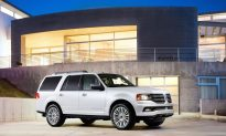 2015 Lincoln Navigator: Now with EcoBoost