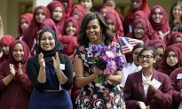 US First Lady Meets London Schoolgirls on Education Tour