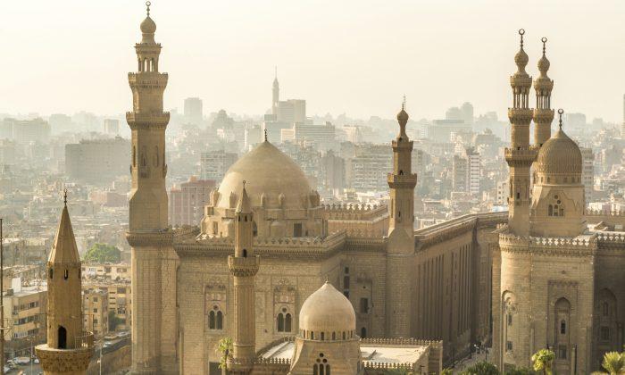 Mosque-Madrassa of Sultan Hassan (derejeb, iStock)