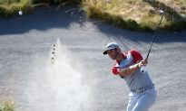 2015 U.S. Open: Dustin the Field