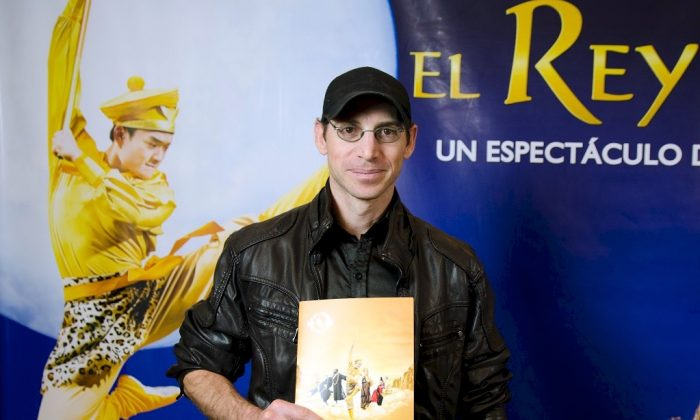 "Film director Mario Martinez at Shen Yun's ""The Monkey King"" at the Opera Allianz Theater in Buenos Aires on June 7, 2015. (Courtesy of NTD Television)"