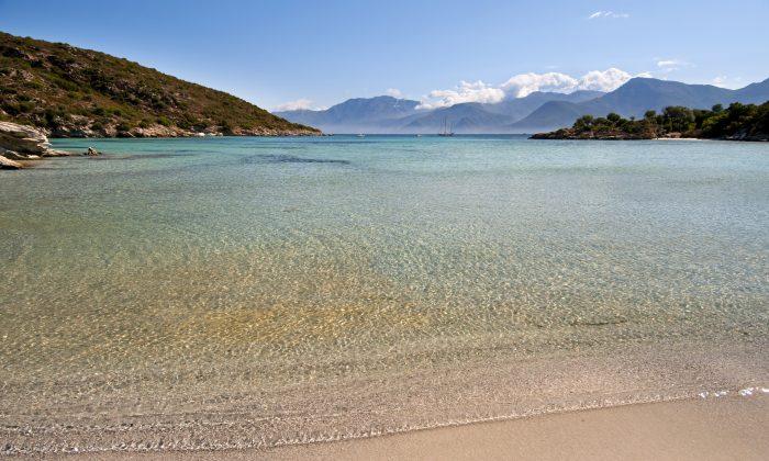 Beach of Saint Florant, Corsica (ueuaphoto, iStock)