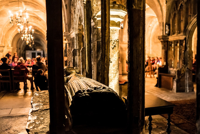 A pause for reflection in Canterbury Cathedral crypt. © Chris Orange