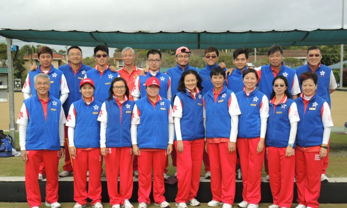 Australian Open Squad 2015: Combining the experience of some senior bowlers and a number of debutants, a new look Hong Kong team registered encouraging results at the Australian Open. The best result was recorded in the women's Fours when the team entered the quarter-finals. In singles both Ken Chan and Phyllis Wong finished in the last 32. (Walter Kwok)