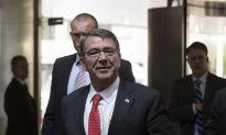 Defense Secretary Carter Meeting With Kurds in Iraq