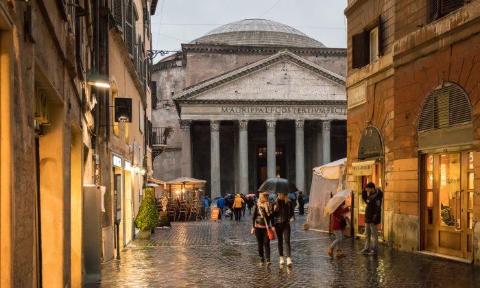 Rome in the rain. (Steve Heap/Shutterstock)