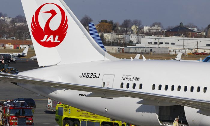 Japan Airlines Boeing 787 jet  on Jan 3, 2013. (AP Photo/Stephan Savoia, File)