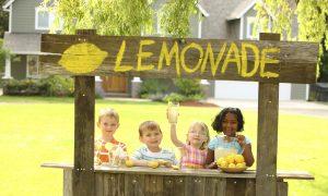 Man Hands Fake $50 Bill to Girl's Charity Lemonade Stand