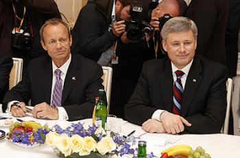 International Trade Minister Stockwell Day and Prime Minister Stephen Harper at the Canada-EU Summit in May 2009 in Prague, Czech Republic, where leaders agreed to launch negotiations toward a Canada-EU comprehensive economic partnership agreement. (Government of Canada)