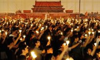 Tiananmen Square Massacre Candlelight Vigil in Hong Kong 180,000-Strong
