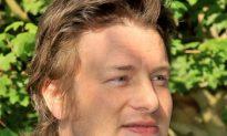 'Jamie Oliver's Food Revolution' Premieres Second Season Challenge