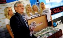 Dick Smith Blasts Wealthy for Not Donating to Charity