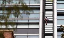 French Spiderman Strikes Sydney