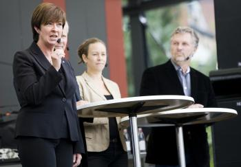 WAR OF WORDS: Speaking at a Stockholm rally on Sept. 12, the leaders of the the Social Democrats led by Mona Sahlin (L), the Left Party led by Lars Ohly (2nd L, behind Sahlin) and the Green Party represented by Maria Wetterstrand (2nd R) and Peter Eriksson (R), try to win undecided voters for their coalition in Sweden's Sept. 19 elections. (Jonathan Nackstrand/Getty Images)