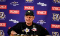 Brad Childress Faces Tough Choice to Start or Sit Brett Favre