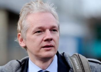 WikiLeaks founder Julian Assange arrives at Belmarsh Magistrates Court in London, on January 11, 2011 (Carl Court/Getty Images)