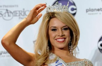 Teresa Scanlan, Miss Nebraska, after she was crowned the new Miss America at the Planet Hollywood Resort & Casino Jan. 15, 2011 in Las Vegas, Nevada. (Ethan Miller/Getty Images)