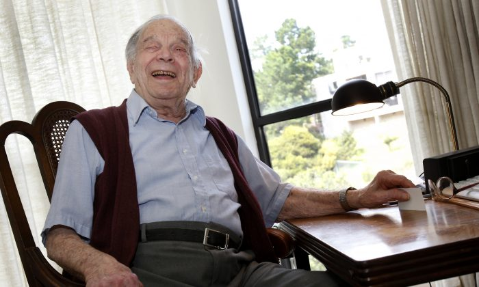 """Bill Del Monte smiles at his home in Greenbrae, Calif., on April 13, 2011. Bill Del Monte was born shortly before the San Francisco earthquake of 1906 and was one of the youngest to survive. William A. """"Bill"""" Del Monte died at a retirement home in Marin County on Jan. 11, 2016. He was 11 days shy of his 110th birthday. (Brant Ward/San Francisco Chronicle via AP)"""