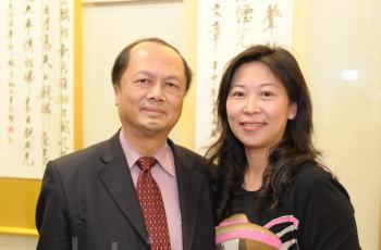 Dr. Lin Yuh-Feng, Deputy Superintendent of Taipei Medical University-Shuang Ho Hospital, and his wife. (Sun Xiangyi/The Epoch Times)