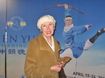 Retired professional photographer Gale Kuffel at Shen Yun Performing Arts in Chicago. (Sherry Dong/The Epoch Times)