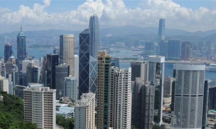 Expatriates are fuelling Hong Kong's real estate market. (Mike Clarke/AFP/Getty Images