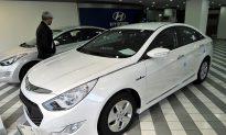 Hyundai Recalls 220,000 Models Over Air Bag Concerns