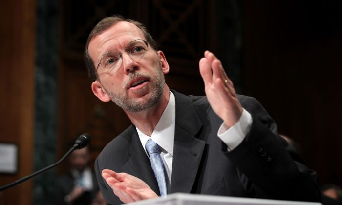 Director of the Congressional Budget Office Douglas Elmendorf testifies during a hearing before the Senate Budget Committee Feb. 2 on Capitol Hill in Washington, D.C. According to the CBO report, the U.S. economic recovery will continue to be sluggish until 2018. (Alex Wong/Getty Images)