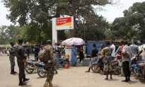 Thousands of Demonstrators Support Mali Junta