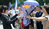 Chinese Lawyers Demand Equal Opportunities for Migrant Students