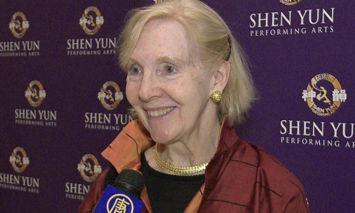 Holly Bodman shares her praise of Shen Yun Performing Arts at Lincoln Center's David H. Koch Theater. (Courtesy of NTD Television)