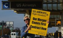 US Airways Flight Attendants Vote to Strike