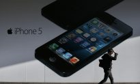 Hedge Fund Sues Apple over Cash