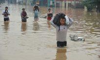 Photos: Jakarta Hit By Heavy Flooding