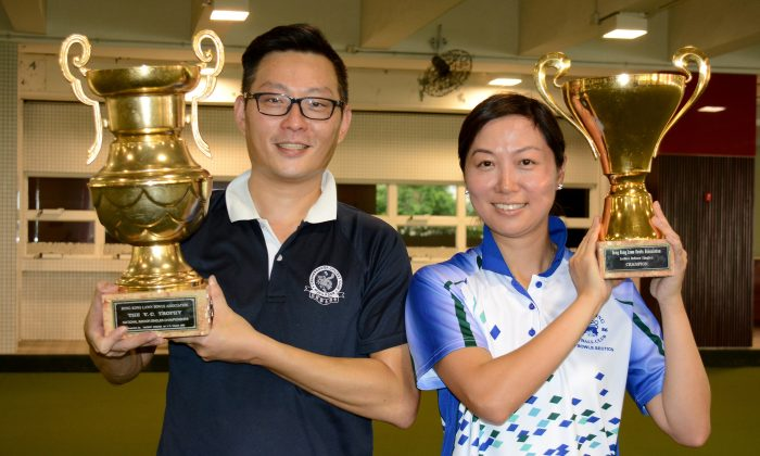 NEW FACES – Kevin Fung (left) and Dorothy Yu proudly became new winners at the National Indoor Singles after prevailing in the finals at Craigengower Cricket Club on Saturday, Jul 11, 2015. (Stephanie Worth)