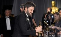 Affleck Shaves Beard Following 'Argo' Win